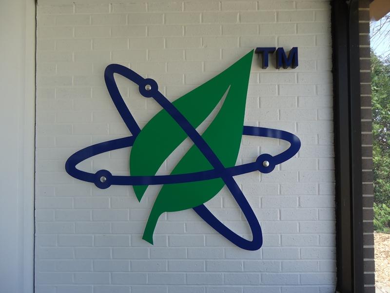 Logo Standoff